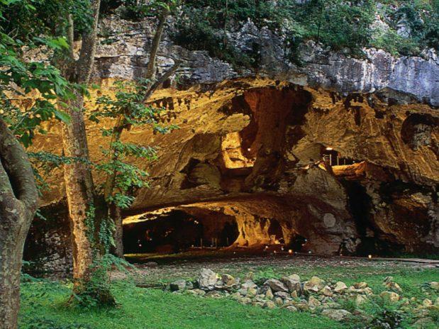 Train de la Rhune, Grottes de Sare, quels sont les lieux d'intérêt au Pays Basque ?