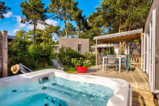 Quels sont les avantages à résider dans un camping avec spa